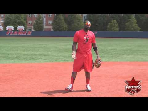 Fielding Tips: Feeding the Ball to 2nd Base on a Double Play with Brandon Phillips