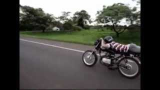 getlinkyoutube.com-Honda CB 300   VS   Yamaha RD 135