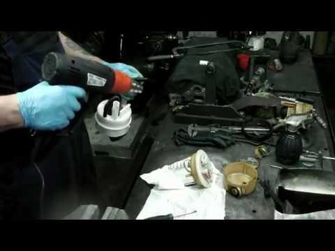 Nissan Tiida замена топливного фильтра.