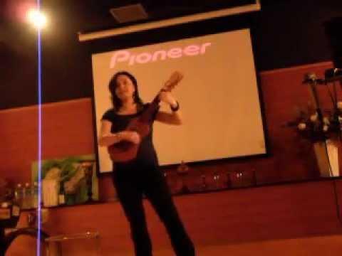 Lorena plays Harana