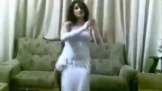 رقص البدوى مع محمد بومغيب الصنقرى.wmv