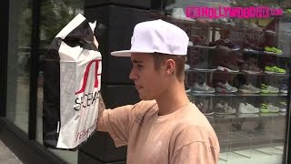 getlinkyoutube.com-Justin Bieber Shops At Shoe Palace On Melrose Ave. 7.19.15 - TheHollywoodFix.com