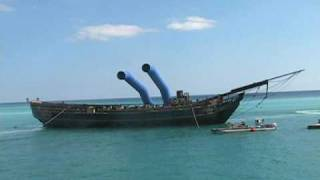 getlinkyoutube.com-Krakken attack on merchant ship. Grand Bahamas