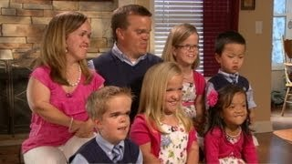 getlinkyoutube.com-Real-Life 7 Dwarfs Interviewed by Barbara Walters: Inspiring Family Tackles Life's Challenges