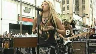 getlinkyoutube.com-Shakira - Whenever Wherever live @ today show New York 2002