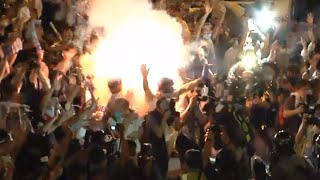 getlinkyoutube.com-Hong Kong Close-up: Tear gas canister explodes among protesters