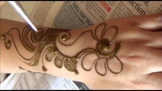 getlinkyoutube.com-Romantic Mehendi Floral Design:How To Draw Mehndi On Upper Side