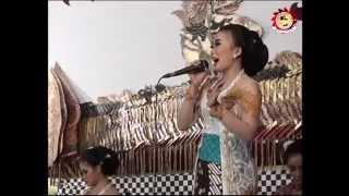 getlinkyoutube.com-Campursari Dangdut Memanik - Wiwik