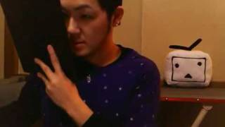 getlinkyoutube.com-【ニコ生】ゲイがメイク練習中に東北大震災【2011.03.11】 Tohoku Earthquake in gay make-up practice