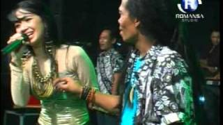 getlinkyoutube.com-PERAWAN KALIMANTAN - RENA KDI & SODIK by anggit_ghathan