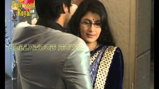 getlinkyoutube.com-On Location of TV Serial ''Kumkum Bhagya'' Abhi & Pragya are enjoying