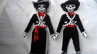 getlinkyoutube.com-como vestir esqueleto de papel mariachi
