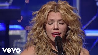 getlinkyoutube.com-The Band Perry - Fat Bottomed Girls (Live On Letterman)