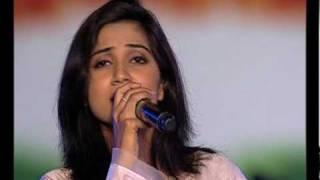 getlinkyoutube.com-Shreya Ghosal Ekla Chalo Re.mov