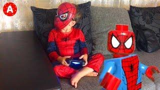 getlinkyoutube.com-Spider-Man and Iron Man Playing Lego Marvel Game