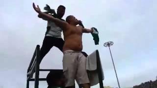 getlinkyoutube.com-مشجع برازيلي بالمكانة يغني الخضرة الوطنية