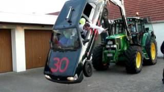 getlinkyoutube.com-3 x 30er Geburtstag / Ford Fiesta Crash, Stunt, Motorschaden, Traktor, John Deere