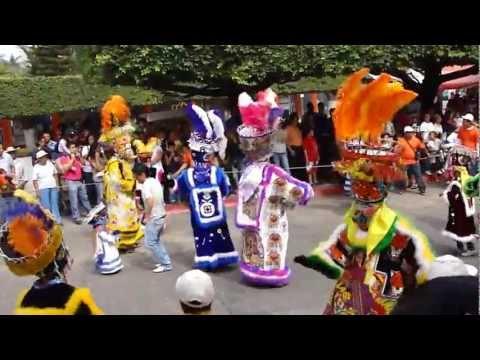 Brinco del Chinelo en el Carnaval Jiutepec 2013-3.MP4