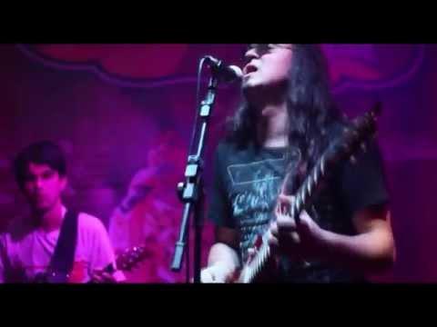 Banda Seu Madruga AC/DC cover - shoot to thrill - ao vivo no Circus Rock bar