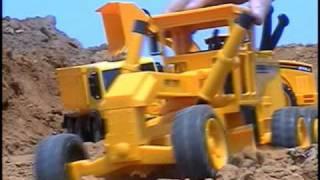 getlinkyoutube.com-Mini Tractor plastic
