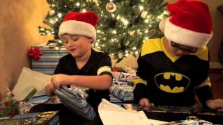 getlinkyoutube.com-Christmas Morning 2013 Video Keaton Blaze Batman Incredibles Ninja Turtles Hot Toys Figure DX09