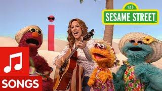 getlinkyoutube.com-Sesame Street: Sheryl Crow: Soak Up the Sun