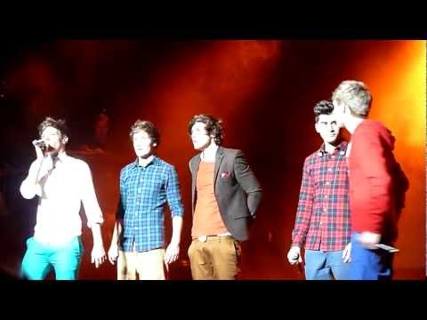 One Direction Tour - MANCHESTER - What Makes You Beautiful HD
