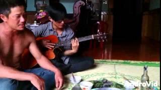 getlinkyoutube.com-người em năm cũ guitar cuc hay