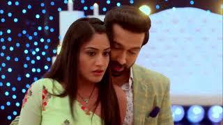 Shivan (Nakuul Mehta) and Anikka (Surbhi Chandna) in Priya Manasam Serial