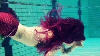 getlinkyoutube.com-Mermaid Cira's first Video under water!