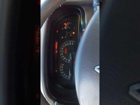 Где в Renault Laguna находится коробка передач