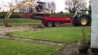getlinkyoutube.com-Unloading sumitomo sh60 off herbst dump loader