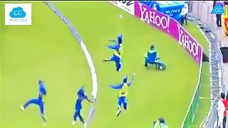 getlinkyoutube.com-Best Fielding in the Cricket History - Acrobatic Fielding !!  (Please Comment ur favorite)