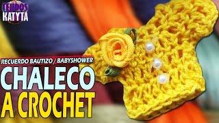 getlinkyoutube.com-Recuerdo Bautizo o Baby Shower - Chaleco - Sueter a Crochet