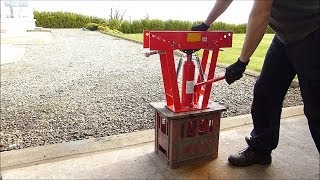 getlinkyoutube.com-Waste oil heater - Using ice to help bend steel.