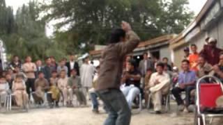 pure local dance hussain hunza ali abad.MOV