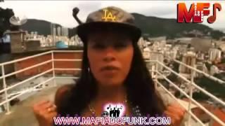 getlinkyoutube.com-Calcinha escapando vestidinho sainha funk vulgar delicia icia