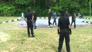 getlinkyoutube.com-Bodyguard Training STS siri 1 / 2011