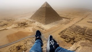 getlinkyoutube.com-GUY CLIMBS GREAT PYRAMID IN 8 MINUTES - OUTRAGES WORLD - ORIGINAL HD FOOTAGE