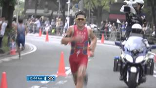 getlinkyoutube.com-Gomez Noya vs Alistair Brownlee Srpint (wts Yokoaham 2015)