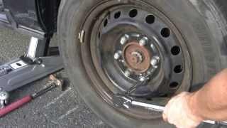 getlinkyoutube.com-【タイヤ交換の必需品】ナットの締め付け強さを一定にするトルクレンチの使用方法