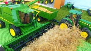 getlinkyoutube.com-BRUDER TOYS combine John Deere T670i farm bworld