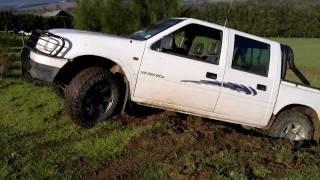 Mud : Isuzu & 3 Defender - Bump