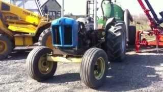 getlinkyoutube.com-Fordson major v8 conversion(running in tractor)