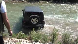 getlinkyoutube.com-Wrangler Rubicon river crossing