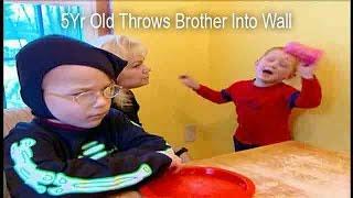 getlinkyoutube.com-5Yr Old Throws Brother Into Wall | Supernanny USA