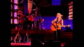 getlinkyoutube.com-Stones in the Road - Mary Chapin Carpenter @ Wolf Trap