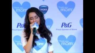 getlinkyoutube.com-Shraddha Kapoor sings for her mom. Kangana Ranaut talks about her mom on Women's Day