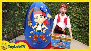 getlinkyoutube.com-GIANT EGG SURPRISE OPENING Jake and the Neverland Toys & Animal Planet Sharks Kids Video