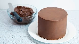 HOW TO COVER A CAKE WITH CHOCOLATE GANACHE
